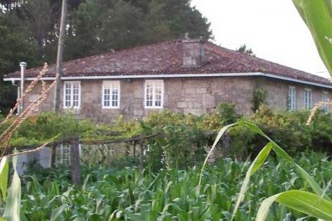 Casa da Familia de Rosalía en Ortoño (Ames)